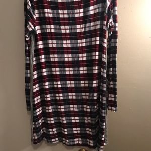 Tops - Gray and plaid tunic with pocket
